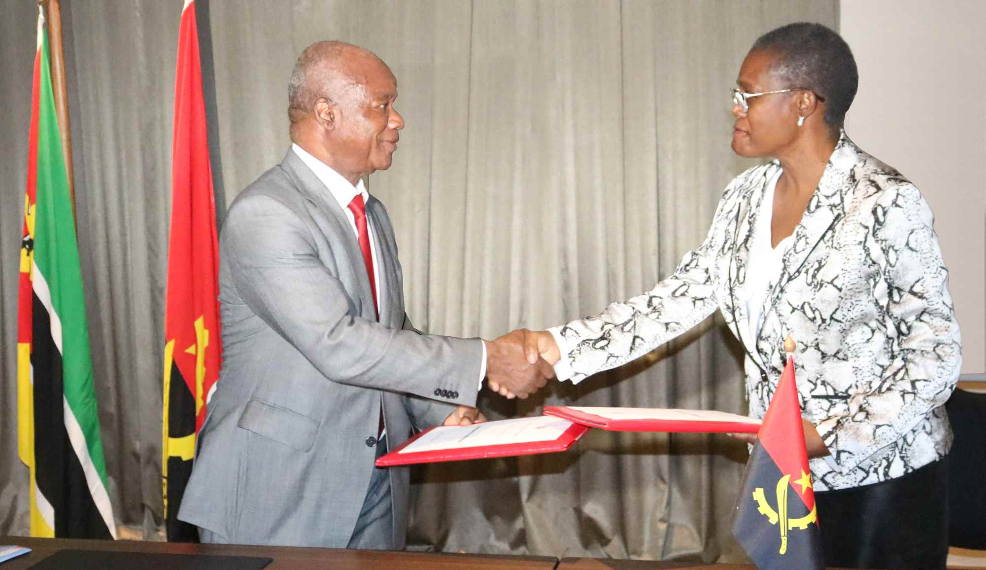Assinatura Do Acordo De Cooperação Entre Tribunal De Contas De Angola E O Tribunal Administrativo De Moçambique