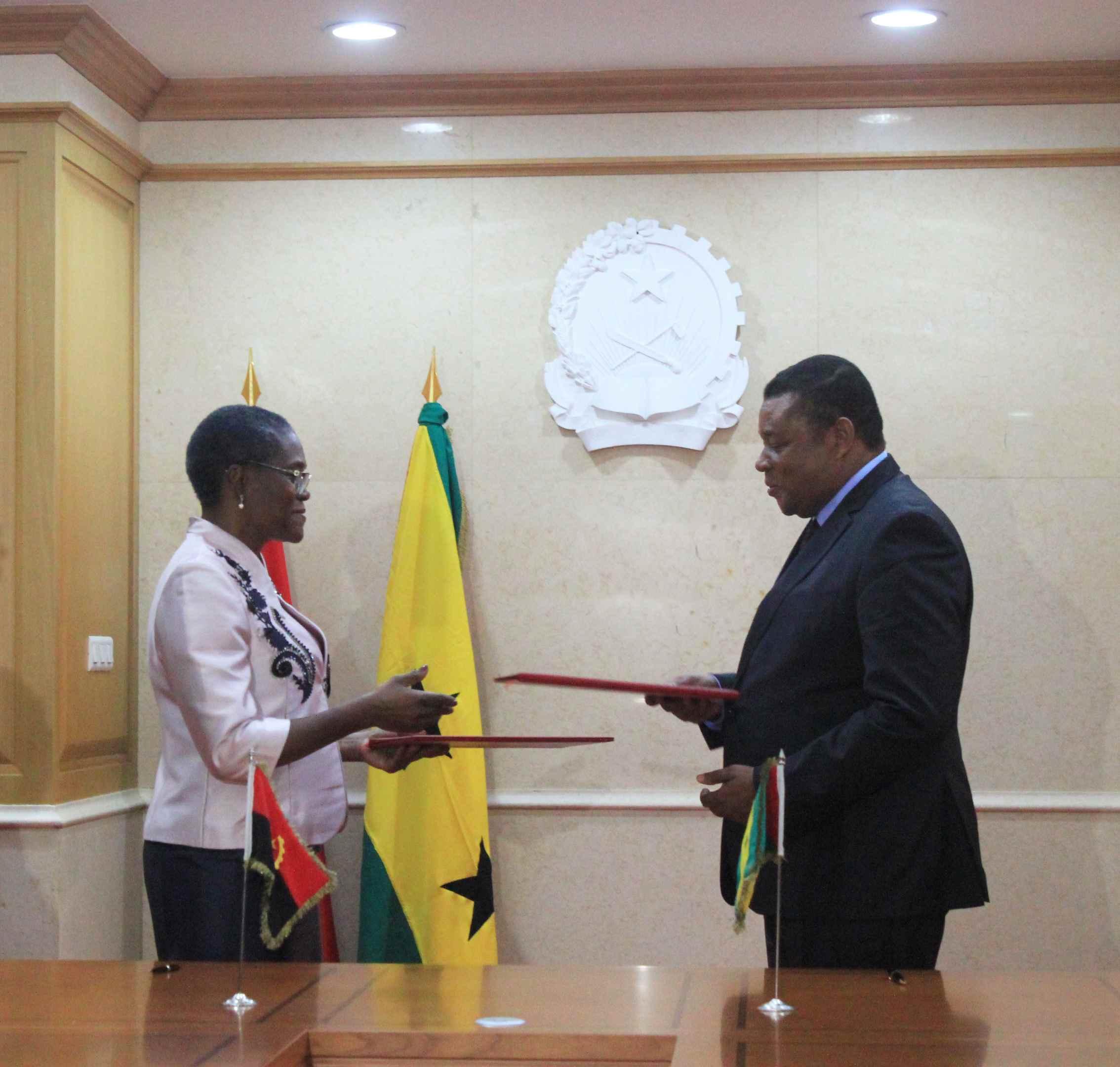 Assinatura de Acordo de Cooperação entre o Tribunal de Contas de Angola e o Tribunal de Contas de São Tomé e Príncipe